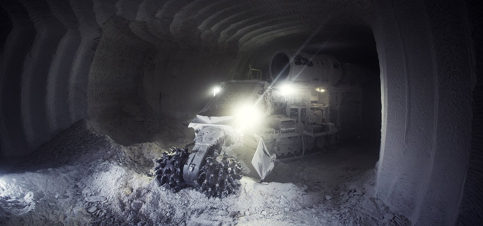 <p>To help ensure productivity in new mining area Zielitz 2, K+S invested in a Sandvik MT520 roadheader.</p>