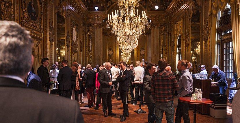 Ny plats för i år. Minglet gick av stapeln i anrika lokaler på Operan i Stockholm.