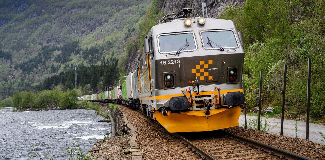 – Samfunnsnytten av godstrafikk på bane må på dagsordenen