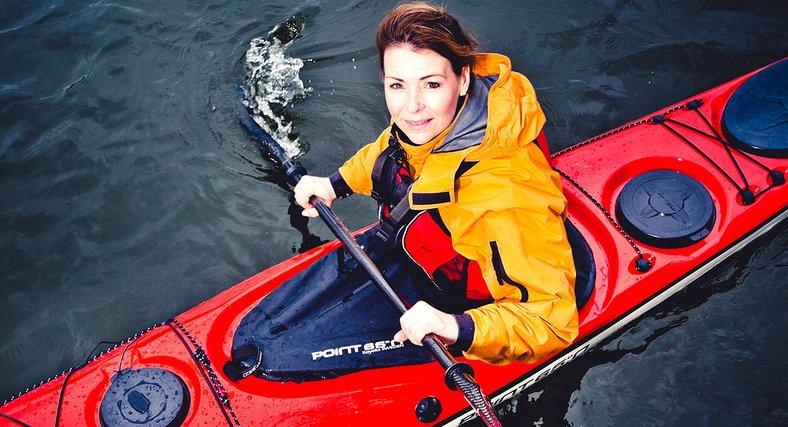 Snart tio år har gått sedan Renata paddlade iväg från Seattle för att runda USA. 439 dagar senare kom hon tillbaka, som första människa att klara bedriften helt av egen kraft.