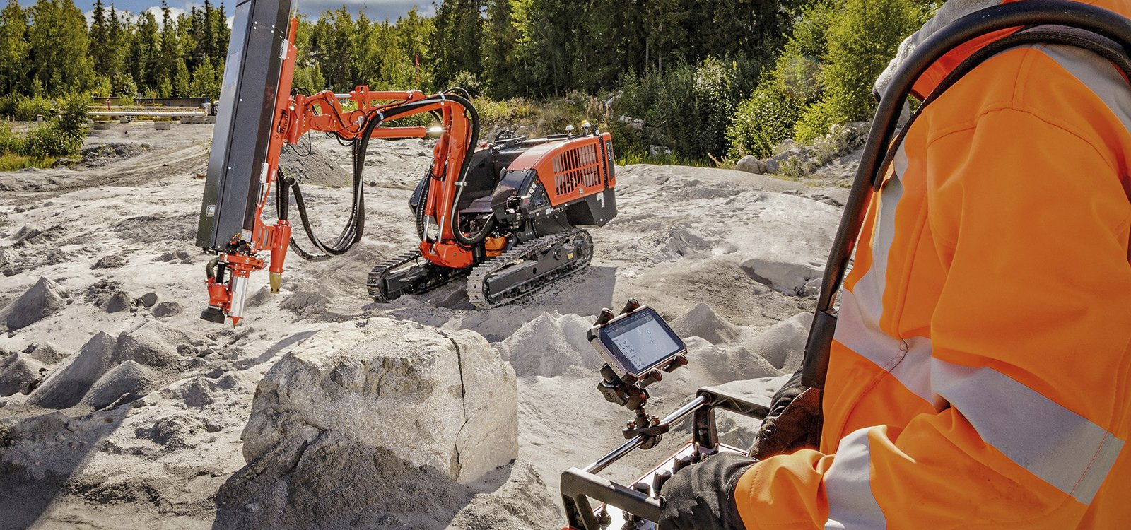 <p>The new remote-controlled Dino DC410Ri surface top hammer drill rig provides mobility and stability for contractors tackling cramped urban construction sites.</p>