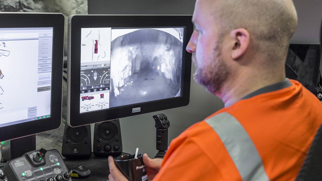 <p>OptiMine дополняет AutoMine Trucking функцией сбора и передачи данных, в результате чего становится возможен обзор всего парка транспортного оборудования.</p>