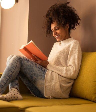 Oändlig läsning och lyssning – här är bokserierna som håller dig sysselsatt i karantäntider