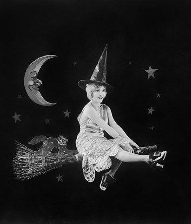 Hokus pokus! 8 magiska böcker om häxor