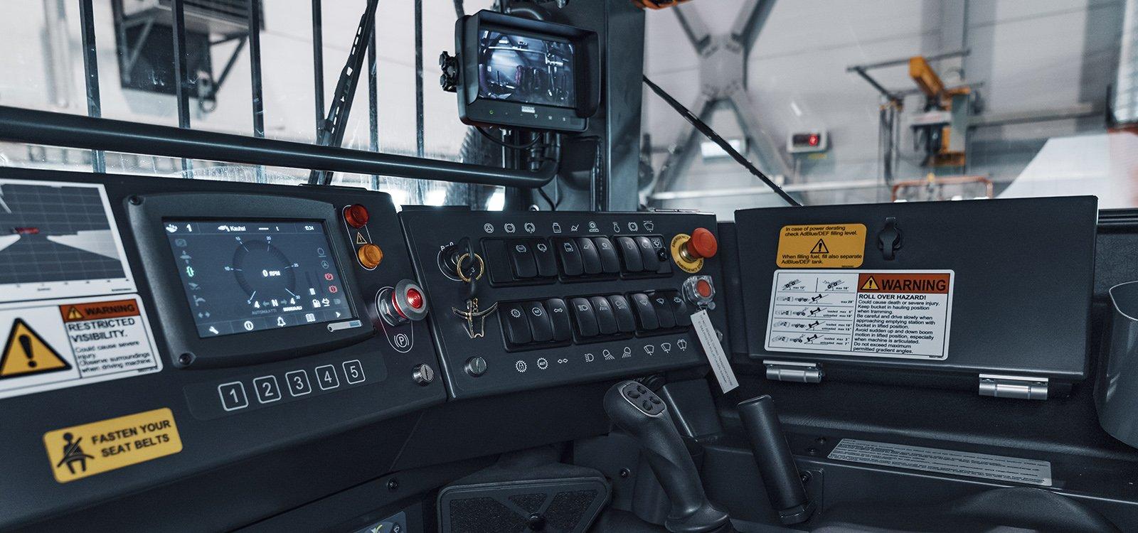 El Sandvik LH621i viene equipado con Sandvik Intelligent Control System y con My Sandvik Digital Services Knowledge Box.