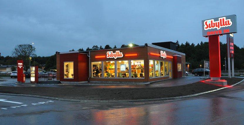 Nya Sibylla i Viksjö. En ny drive in-funktion lagts till och sittplatserna utökats från 32 till 76 och maskinparken förnyats.