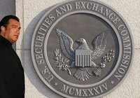 Marknadsförde ICO – nu tvingas Steven Seagal böta över 3 miljoner kronor