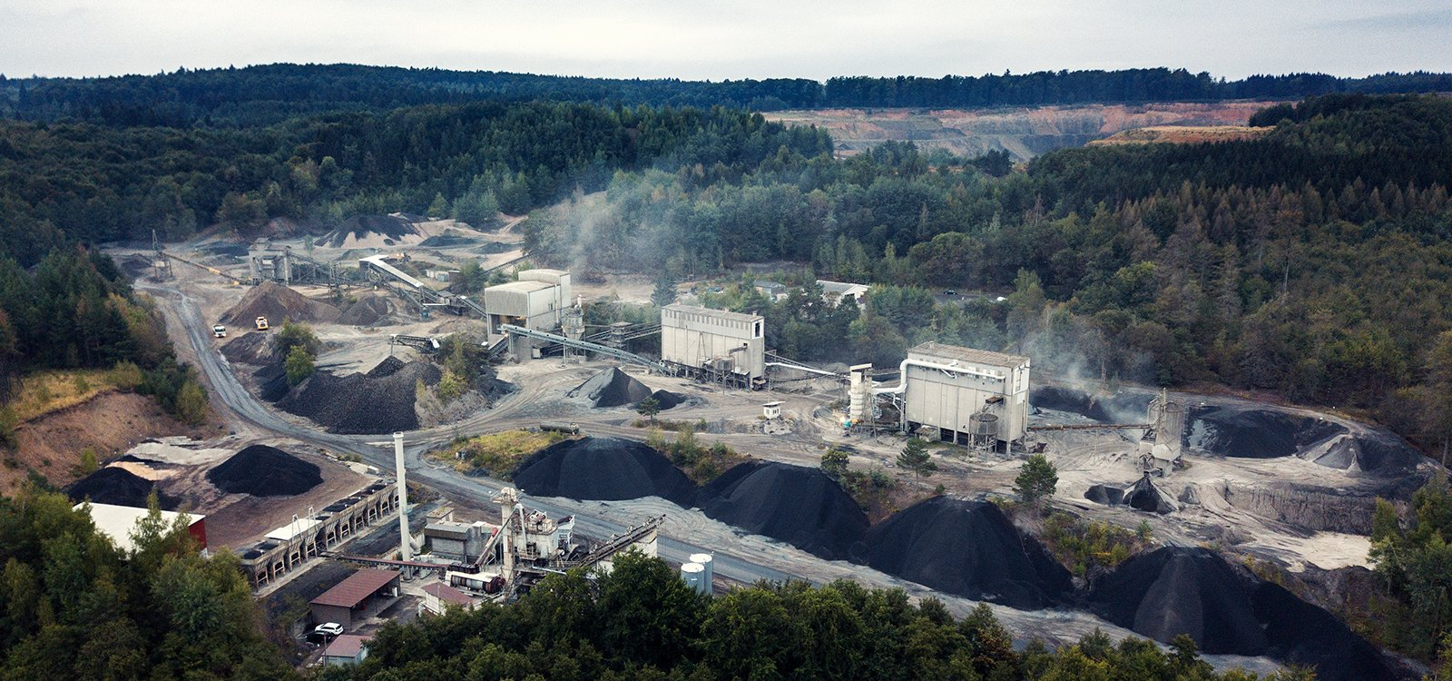 <p>Vogelsberger Basaltwerk in south-western Germany produces gravel, stone, sand and other raw materials primarily used as aggregate for asphalt and concrete.</p>