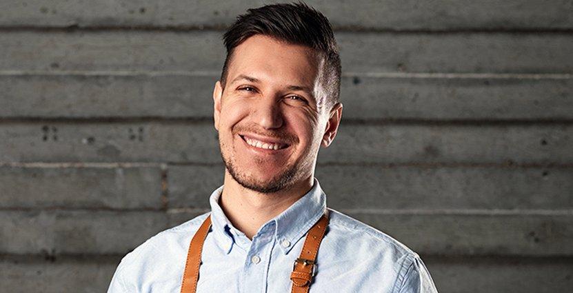 Syriske Njem Hatom har blivit en viktig del av teamet på restaurang Smak i Malmö.