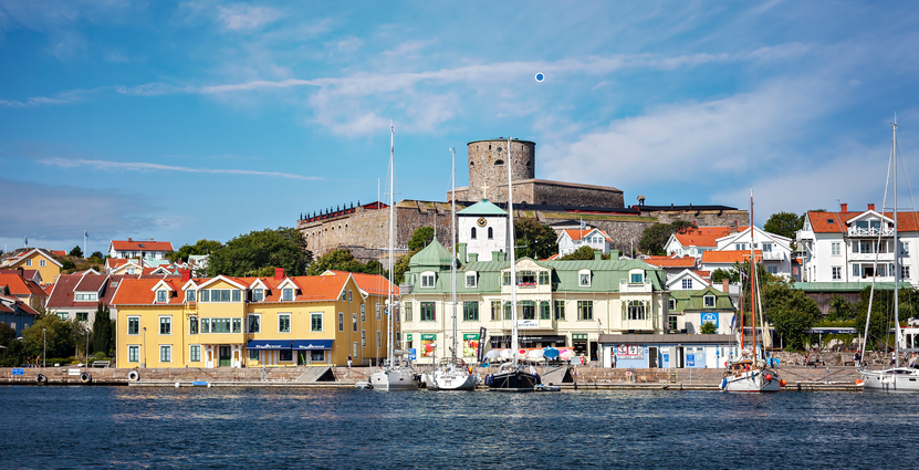Ön Marstrand på Västkusten är en av de destinationer som lyftes i kampanjen.  Foto: Colourbox