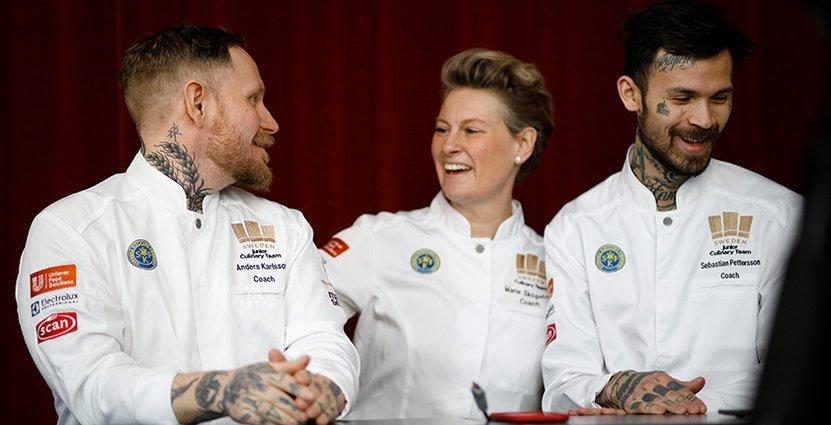 Marie Skogström, tillsammans Sebastian Pettersson och Anders Karlsson, som coachar Svenska Juniorkocklandslaget. FOTO: Per-Erik Berglund