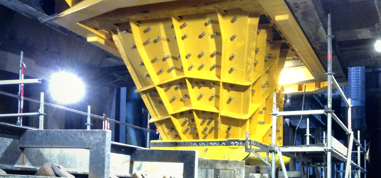 <p>Previous chutes required maintenance staff to shut down production and enter the chute for inspection, potentially putting themselves in harm's way.</p>