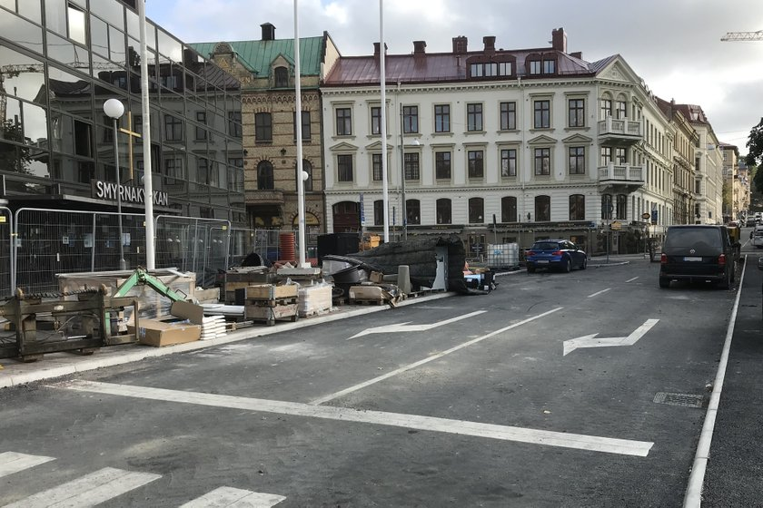 Trafiken från Haga Kyrkogata kör ut på Parkgatan/