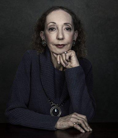 Joyce Carol Oates – en litterär gigant som skildrar sprickorna i samhället