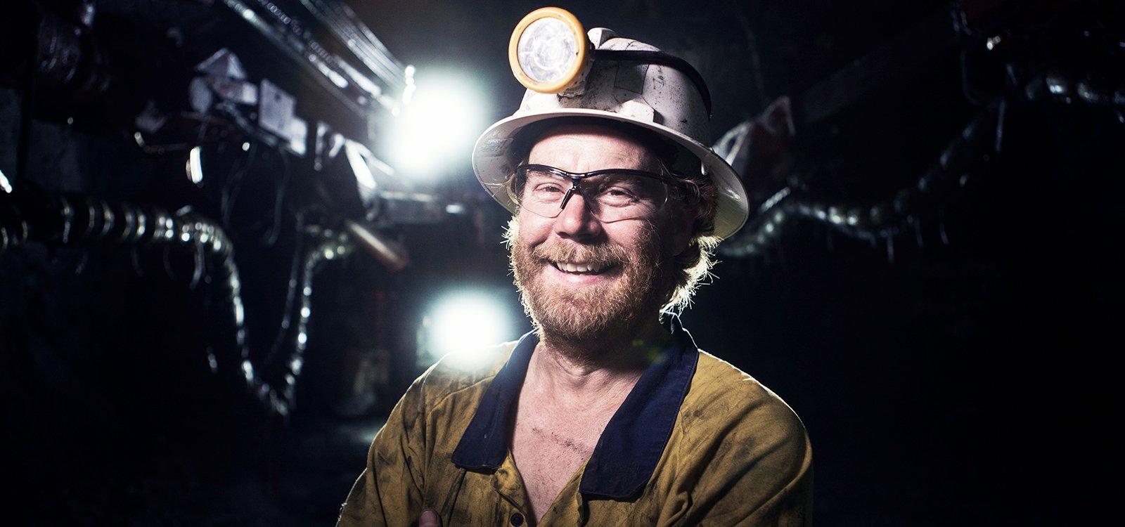<p>Ryan Selfe, a Byrnecut Australia jumbo operator, quickly embraced Sandvik DD422i and its new time-saving technology.</p>
