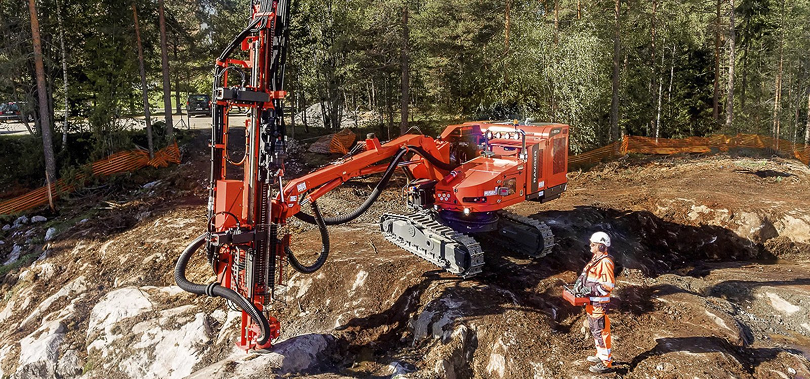 <p>The new non-cabin Ranger DXR series surface rigs offer the reliability and large drilling coverage area of the conventional Ranger DX series drill rigs, in a lighter and more mobile package.</p>