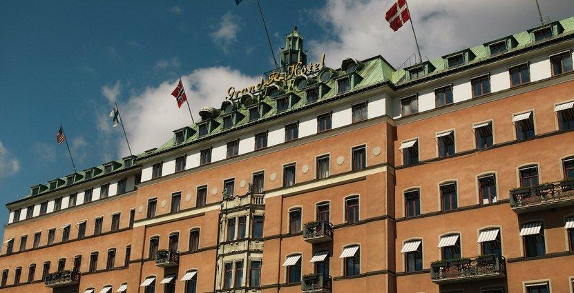 Grand Hôtel i Stockholm och nio Scandic-hotell finns bland de företag som berörs.