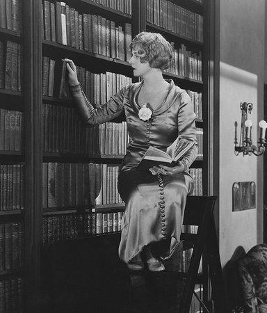 8 historiska skildringar av och med kvinnor