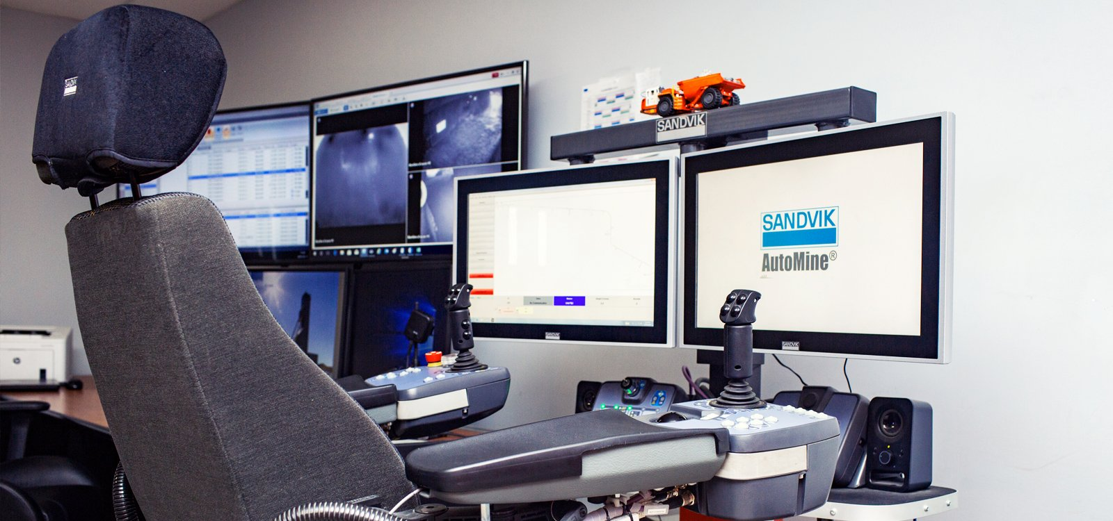 <p>From the comfort of the purpose-built control room, operators can control remotes for loading chutes and rock breakers.</p>