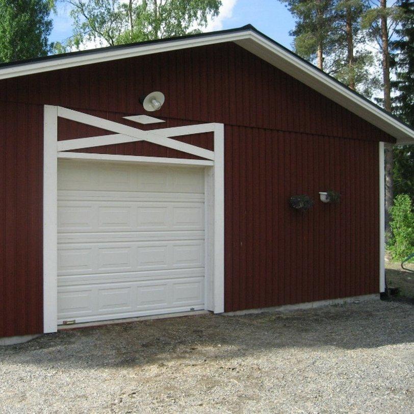 Garage kombinerat med stall