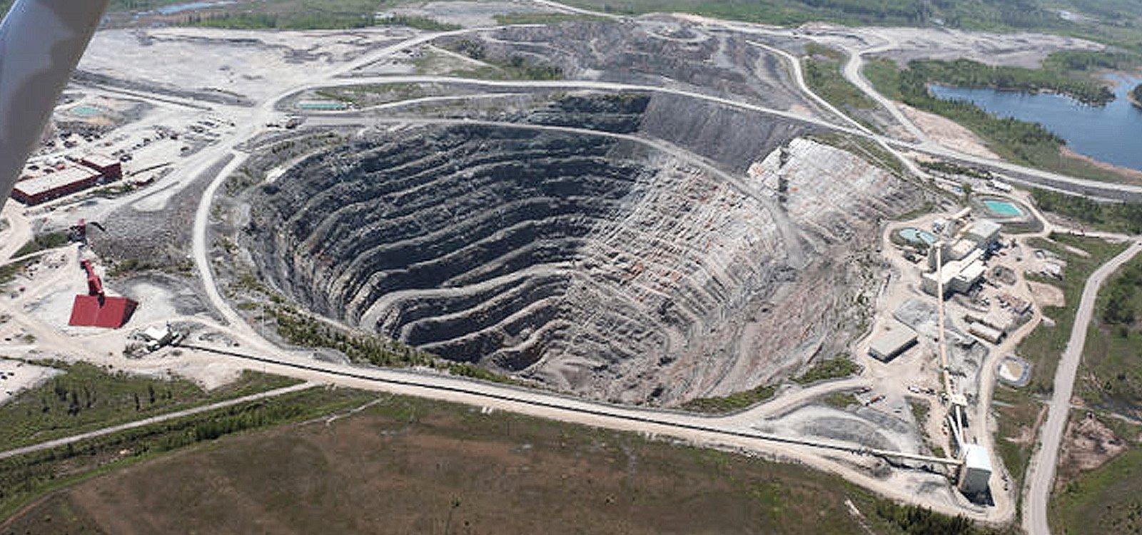 <p>La mine souterraine Dome à Timmins, au Canada, a définitivement fermé après 107 ans d'activité.</p>