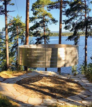 Utøya - fem böcker om dagen vi aldrig får glömma