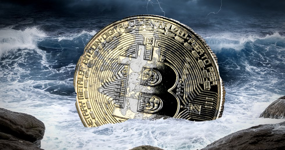 Bitcoin price below $10,000 – has dropped 31 percent in two weeks.