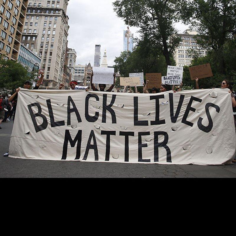 13 böcker om rasism, förtryck och motstånd