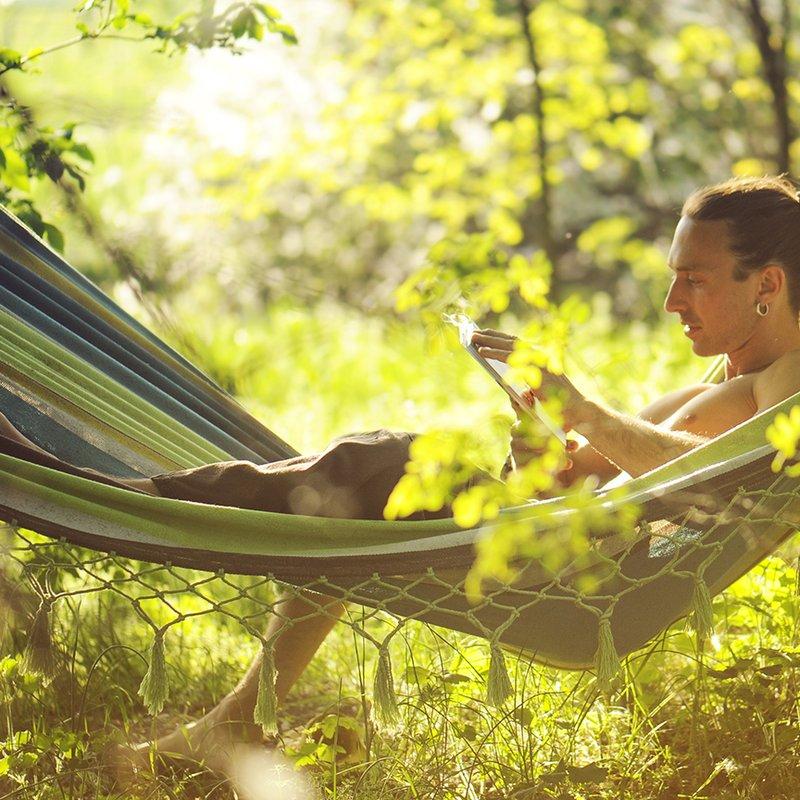 5 böcker när du vill känna dig äventyrlig i hängmattan