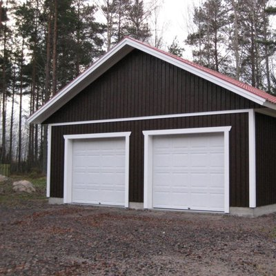 Ett garage med spolkant