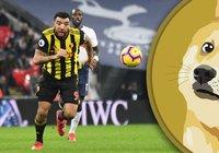 Premier League-klubb spelar i tröja prydd med dogecoin-logga