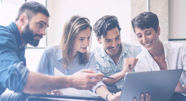 Tröttsamt att vara social med kollegorna?