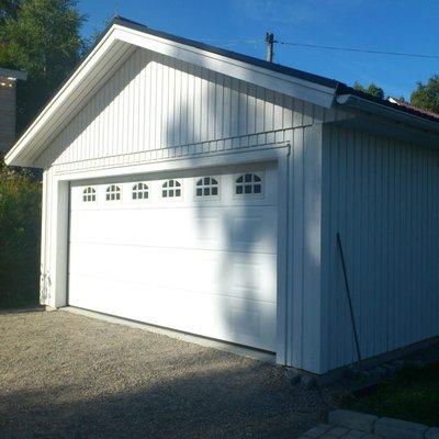 Garageport med fönster