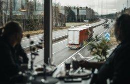 Full fart framåt för vägkrogarna