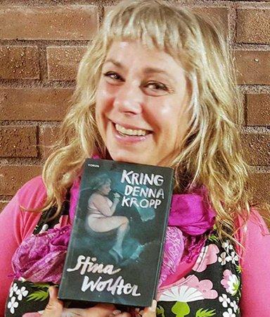 """Stina Wollter: """"Jag har inte hunnit sörja mamma – det pågår nu"""""""