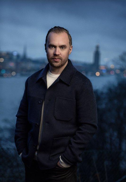 Journalisten och författaren Måns Mosesson. Foto: Thron Ullberg
