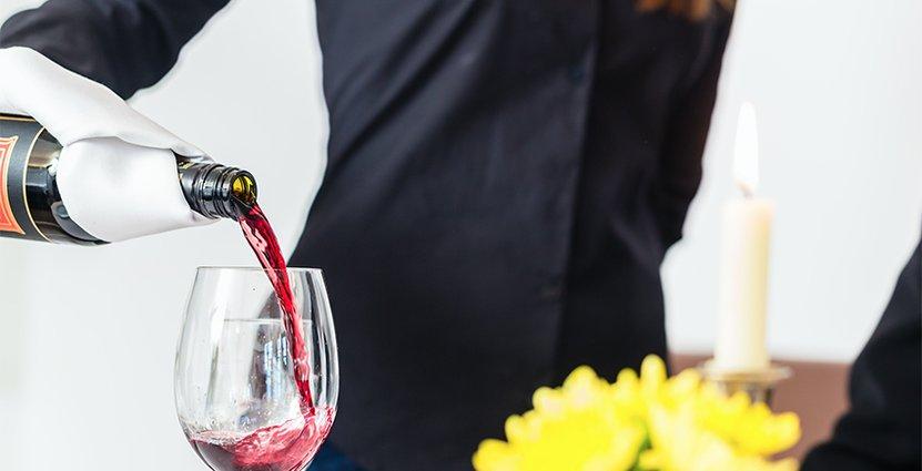 Klart: Regeringen förlänger alkoholförbudet. Foto: Colorbox