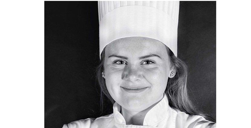 Evelina Änggren från Halmstad tävlar i Gastronomi Sverige Commis Award 2020. Foto: Morgan Ekner