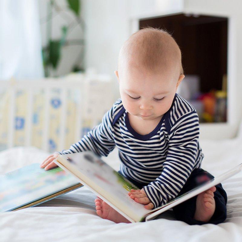 Barnets första bok! 9 läsupplevelser i miniformat