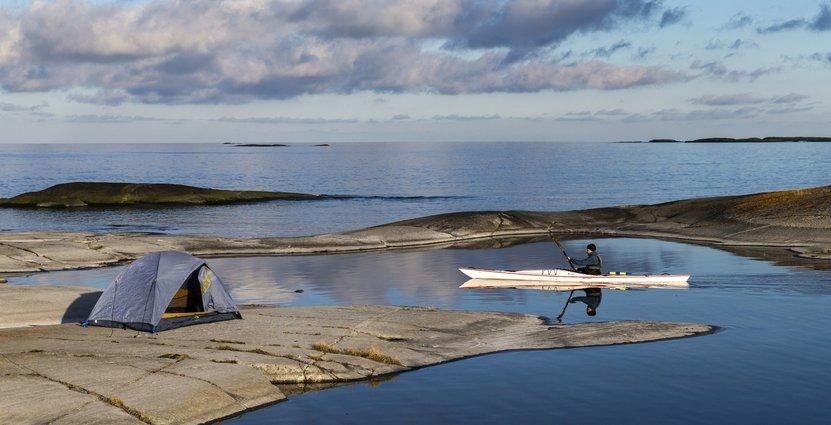 Kajakpaddling vid Utterkobben i Stockholms skärgård. Foto: Henrik Trygg/Stockholm Archipelago