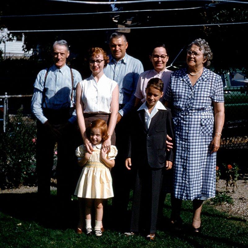 Släktkrönikor – 7 myllrande berättelser som spänner över generationer