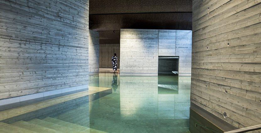 Yasuragis åtta månader långa renovering har kostat 150 miljoner kronor och resulterat i ett helt nytt bad.