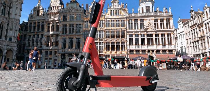 Hello Brussels: Voi laun...