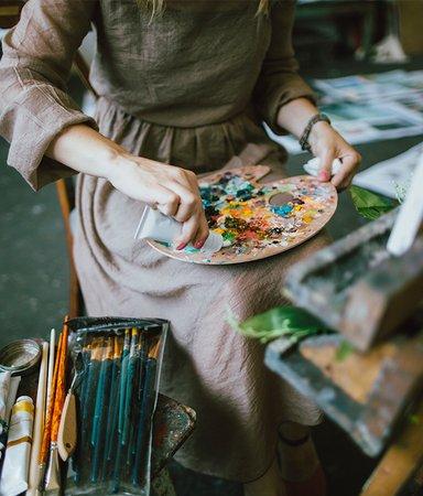 8 böcker om konstnärer – både verkliga och fiktiva