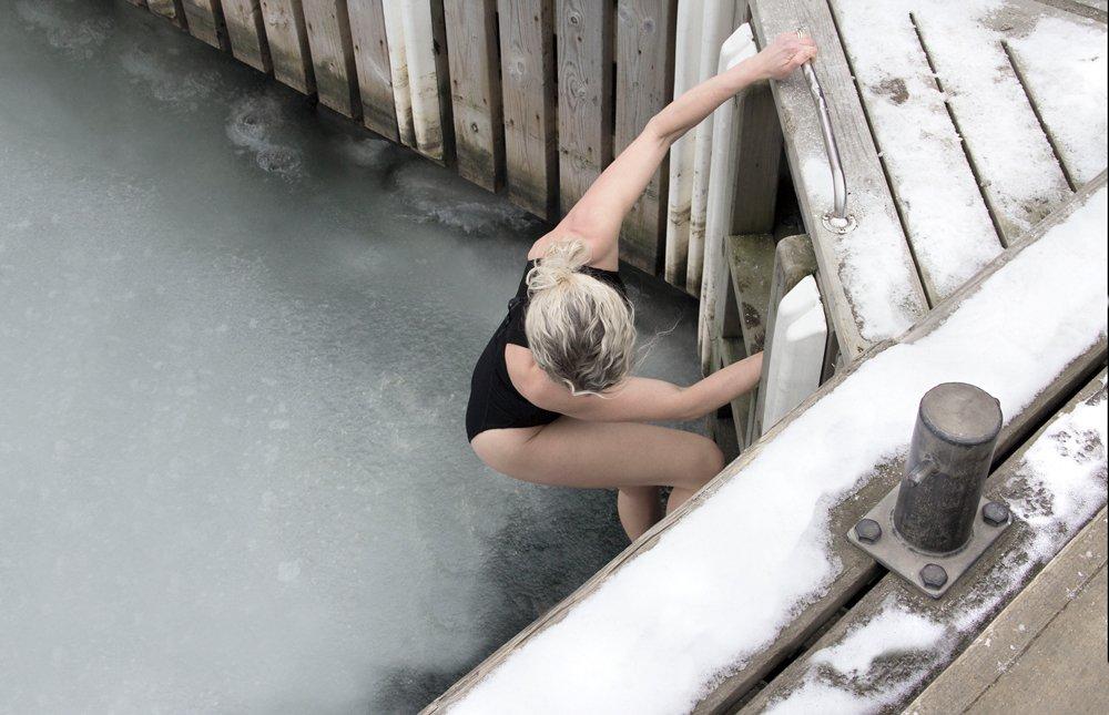 Därför ska du börja bada riktigt kallt