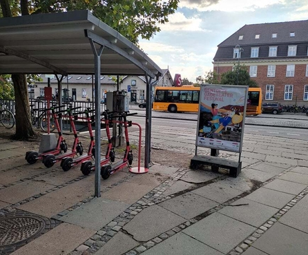 Hello Gentofte! Voi deploys e-scooters and parking rack at Hellerup Station to increase the combined use of public transport and shared micro-mobility