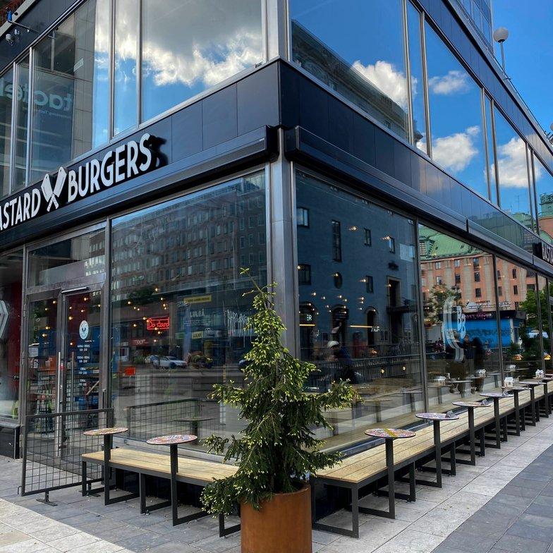 Bastard Burgers firar 50 restauranger idag