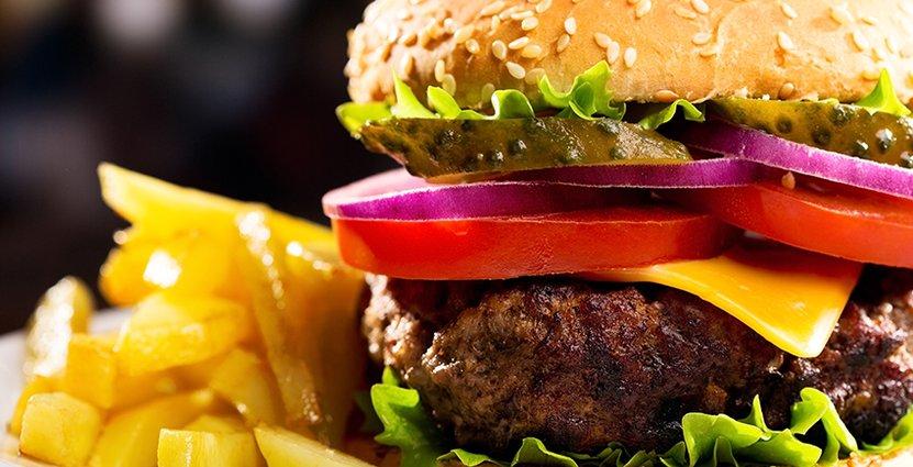 Hårdare koll på hamburgerhak när efterfrågan ökar på rosa kött. Foto: Colourbox