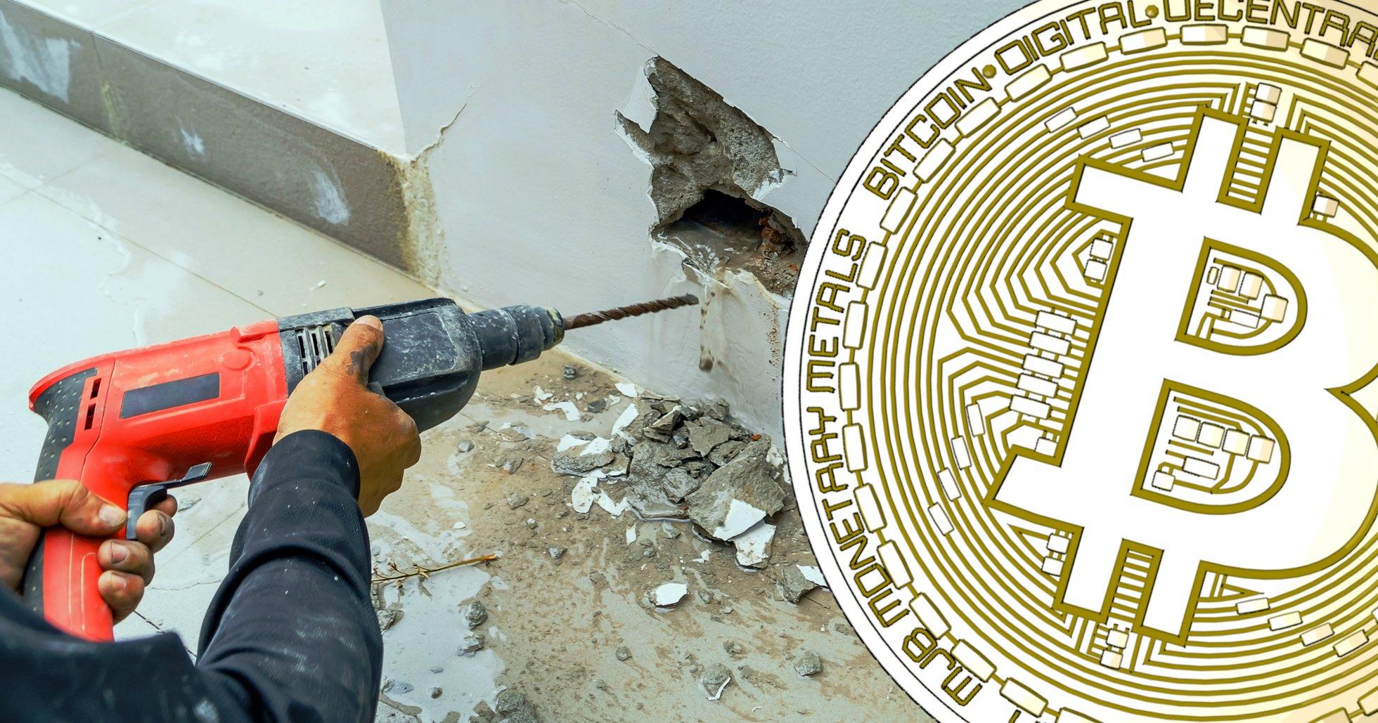 Misstänkta tjuvar borrade genom betongvägg – för att stjäla 85 bitcoinmaskiner.