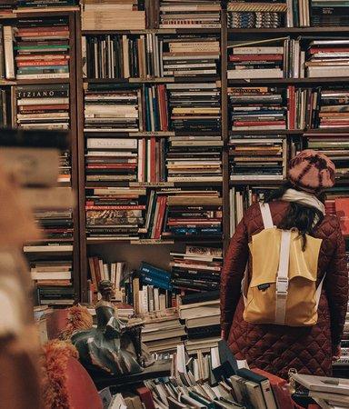 Förlagsproffsen tipsar: Böckerna du borde köpa på bokrean